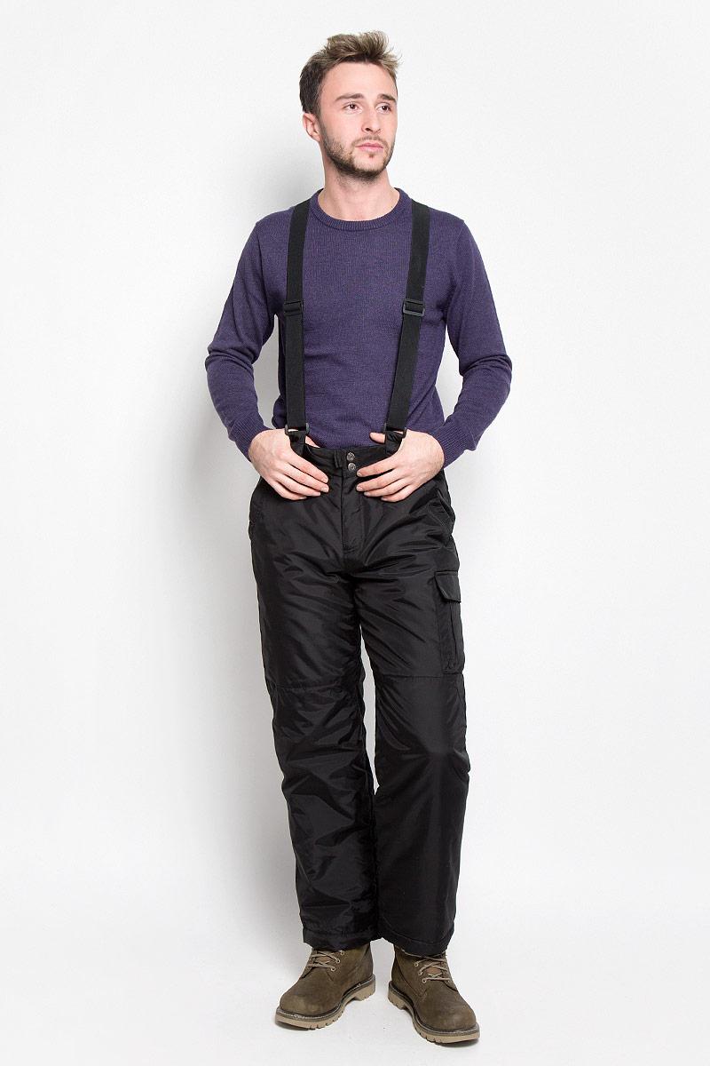 Pp-225/101-6313Мужские утепленные брюки Sela Casual Wear идеально подойдут для холодной погоды. Брюки выполнены из нейлона. Подкладка изготовлена из гладкой и тактильно приятной ткани. В качестве утеплителя используется 100% полиэстер. Брюки прямого кроя застегиваются спереди на пуговицы и имеют ширинку на застежке-молнии. Изделие оснащено съемными эластичными наплечными лямками, регулируемыми по длине. Имеются шлевки для ремня. Спереди расположены два втачных кармана, сзади - два прорезных кармана с клапанами на застежках-липучках. Сбоку модель дополнена накладным карманом с клапаном на липучке и прорезным с застежкой-молнией. Снизу брючин предусмотрены снегозащитные манжеты с прорезиненными полосками. Такие брюки станут отличным дополнением к вашему гардеробу!
