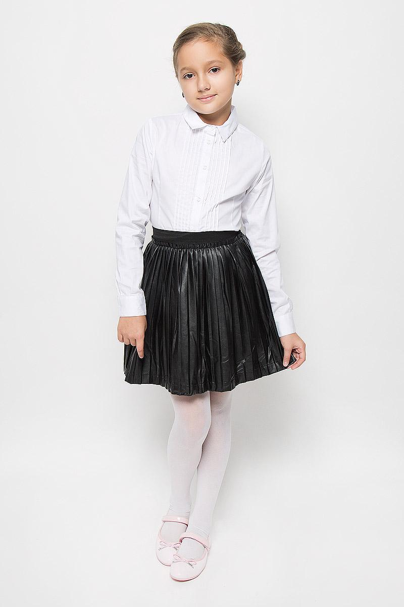 Юбка364119Плиссированная юбка Scool станет стильным дополнением к гардеробу юной модницы. Юбка выполнена из искусственной кожи на подкладке из натурального хлопка. Модель дополнена на талии широкой эластичной резинкой, украшенной по краю отрезной кокеткой. Обладательница этой юбки всегда будет в центре внимания!