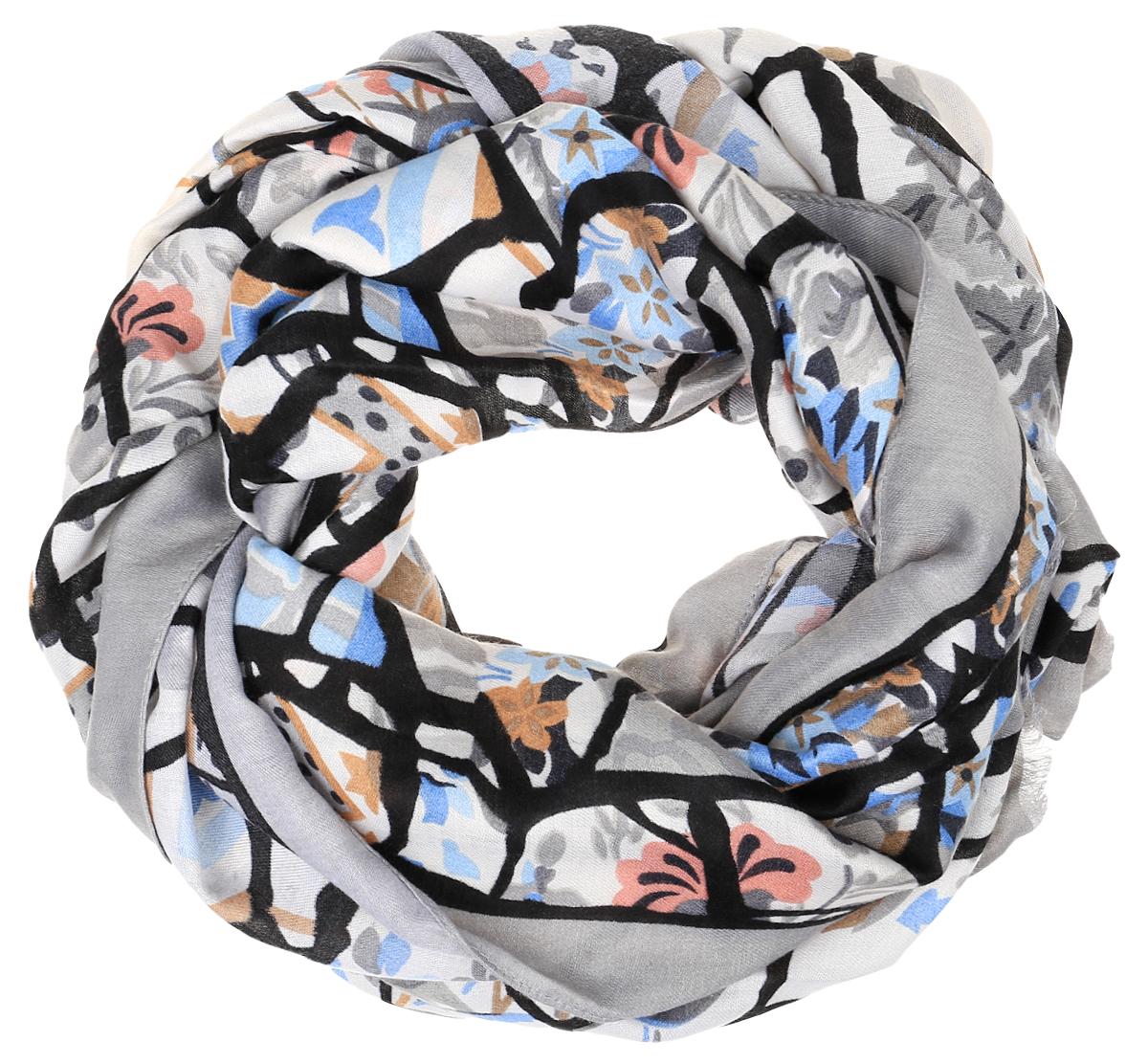 TUTF415-1Женский шарф Fabretti подарит уют и согреет от холодного ветра. Изготовленный из высококачественной вискозы, он очень легкий, мягкий, имеет приятную на ощупь текстуру. Модель оформлена принтом, украшена по краям кисточками. Такой аксессуар станет стильным дополнением к образу современной женщины, стремящейся всегда оставаться яркой и элегантной.