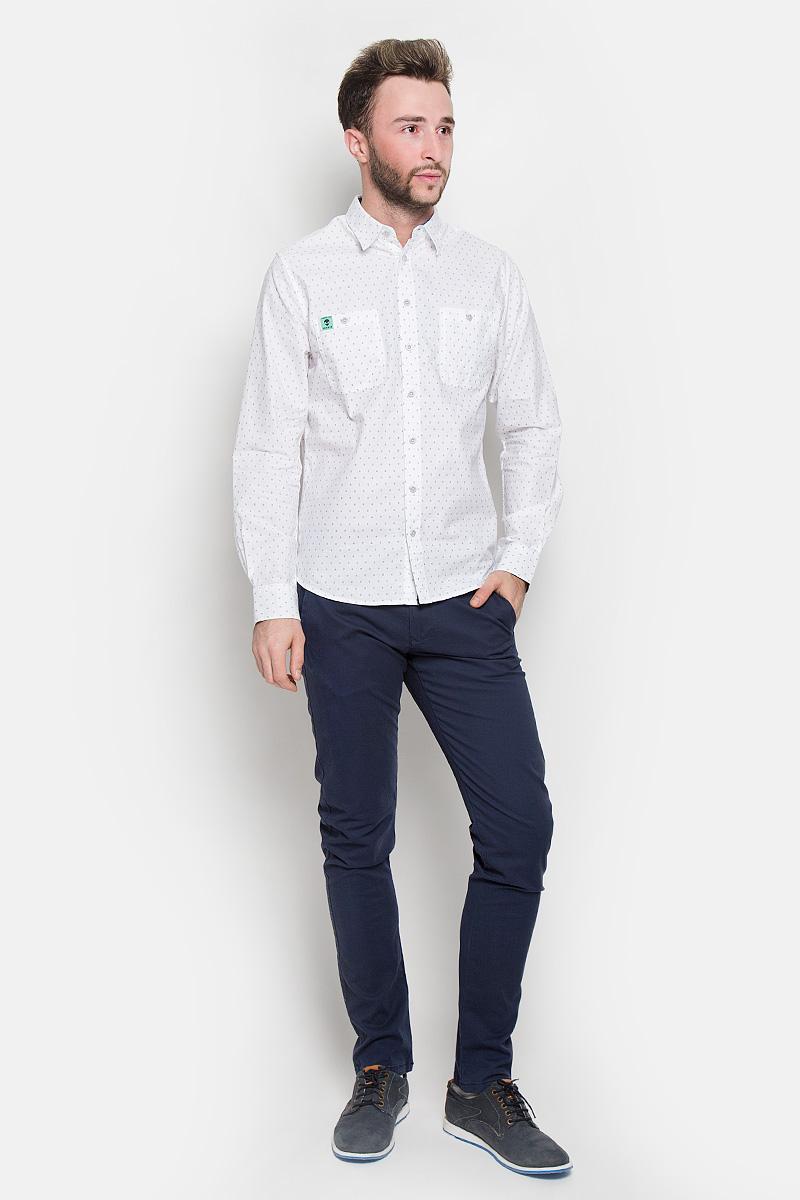 Брюки16051814_Navy BlazerСтильные мужские брюки Selected Homme Antonio Banderas высочайшего качества, подходят большинству мужчин. Модель прямого кроя станет отличным дополнением к вашему современному образу. Брюки выполнены из плотного хлопка с добавлением эластана. На поясе модель застегивается на пуговицу и имеет ширинку на застежке-молнии, также имеются шлевки для ремня. Спереди модель оформлена двумя втачными карманами и одним небольшим секретным кармашком, сзади - двумя карманами. Эти модные и в тоже время комфортные брюки послужат отличным дополнением к вашему гардеробу. В них вы всегда будете чувствовать себя уютно и комфортно.
