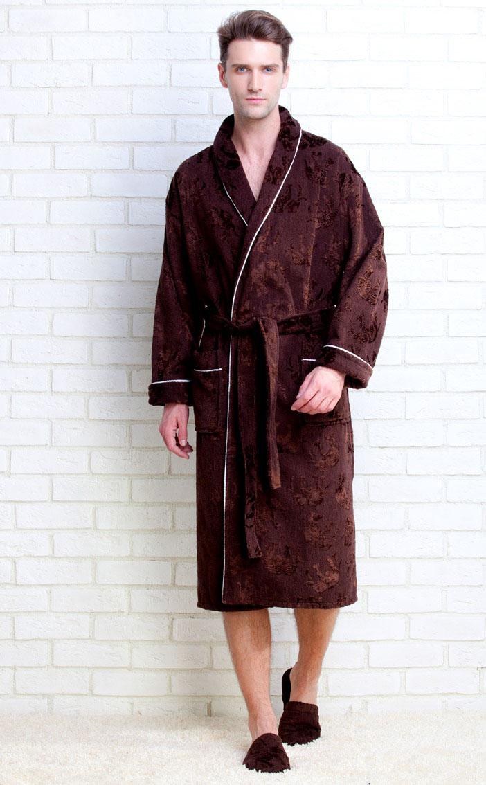 Халат923Махровый мужской халат Strong Man от Peche Monnaie, выполненный из натурального хлопка, идеально подойдет для вас. Материал приятный на ощупь, позволяет телу дышать и хорошо впитывает влагу. Модель с длинными рукавами и воротником-шаль дополнена поясом на талии. Спереди предусмотрены два накладных кармана. Декоративный кант украшает воротник, манжеты рукавов и карманы. Рукава подворачиваются. Халат оформлен принтом в виде проступающих силуэтов слонов.