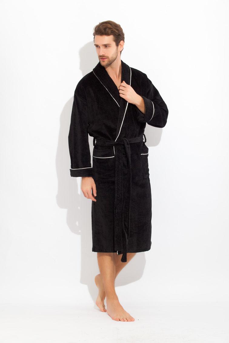 1588Классический махровый халат с внешней велюровой стороной. Велюровая сторона противостоит образованию зацепок, а внутренняя петельчатая махра создает легкий массажирующий эффект. Воротник - шалька, широкий манжет. По всей длине полов халата, карманов и воротника - отделка красивым декоративным кантом. Халат высокого класса для настоящих мужчин, любящих комфорт и свободу!