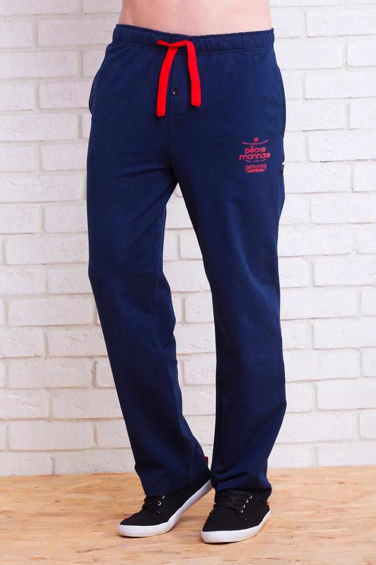 Брюки для дома№001Мужские домашние брюки Franco - отличный вариант в качестве одежды для дома или отдыха. Прямой и свободный крой, широкий и мягкий пояс на шнурках для дополнительной регулировки по талии, удобная пуговка в передней части, полноценные внутренние карманы. Натуральный хлопок высшего качества, из которого созданы брюки, - идеальный вариант для мужских нательных изделий, абсолютно гипоаллергенен, мягок и приятен к телу. Контрастная шнуровка на поясе красиво сочетается с принтом в мужской тематике на левой части брюк. Свобода и комфорт на каждый день!