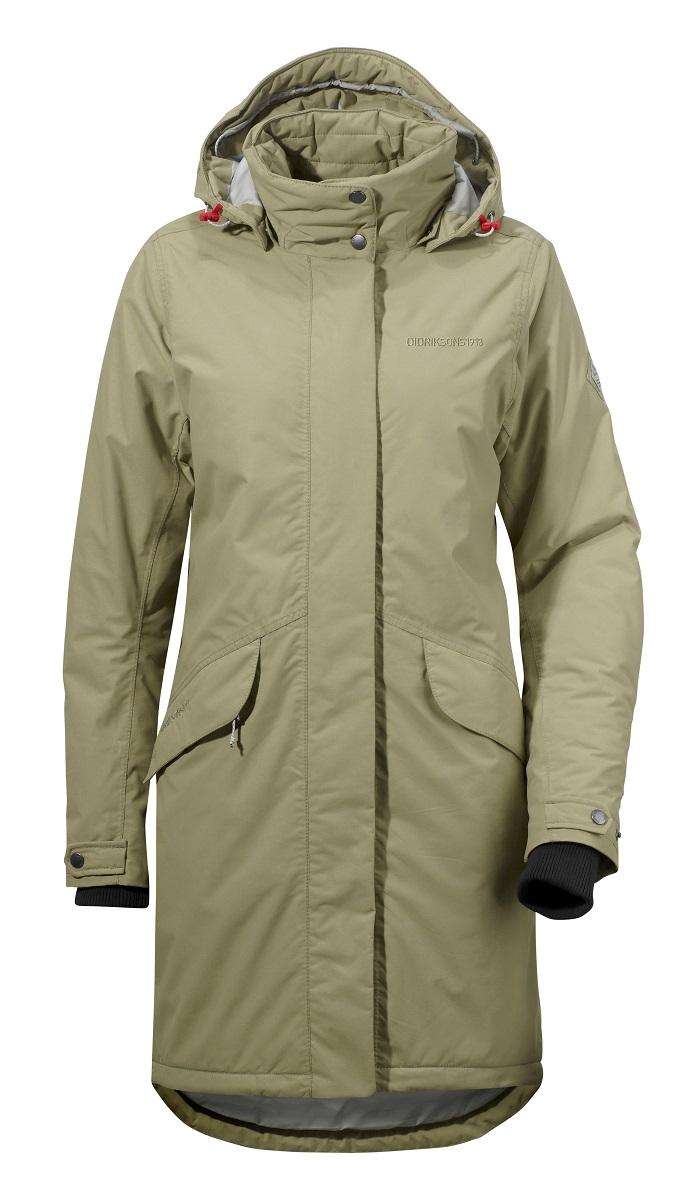 Пальто500985_123Удобное женское пальто Didriksons1913 Alba согреет вас в прохладную погоду и позволит выделиться из толпы. Модель с длинными рукавами, воротником-стойкой и съемным капюшоном выполнена из водонепроницаемой и непродуваемой мембранной ткани. Объем капюшона регулируется при помощи шнурка-кулиски со стопперами. Пальто застегивается на застежку-молнию спереди и имеет ветрозащитный клапан на кнопках. Воротник также застегивается на кнопки. Изделие дополнено двумя втачными карманами с клапанами на кнопках спереди, внутренним карманом на застежке-молнии с отверстием для наушников, внутренним карманом-сеткой и открытым накладным карманом. Манжеты рукавов дополнены внутренними трикотажными манжетами и хлястиками с кнопками. Низ и линия талии изделия дополнены шнурками-кулисками со стопперами. Это модное и уютное пальто - отличный вариант для прогулок, оно подчеркнет ваш изысканный вкус и поможет создать неповторимый образ.