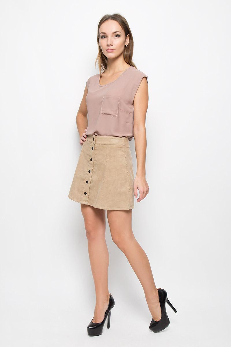 ЮбкаCK2054A_StoneВельветовая юбка Glamorous дополнит ваш образ и подчеркнет индивидуальность. Изделие мягкое и тактильно приятное, не сковывает движений, обеспечивая комфорт. Модель трапециевидного кроя застегивается спереди на кнопки. Стильная юбка непременно украсит ваш гардероб и добавит образу женственности!