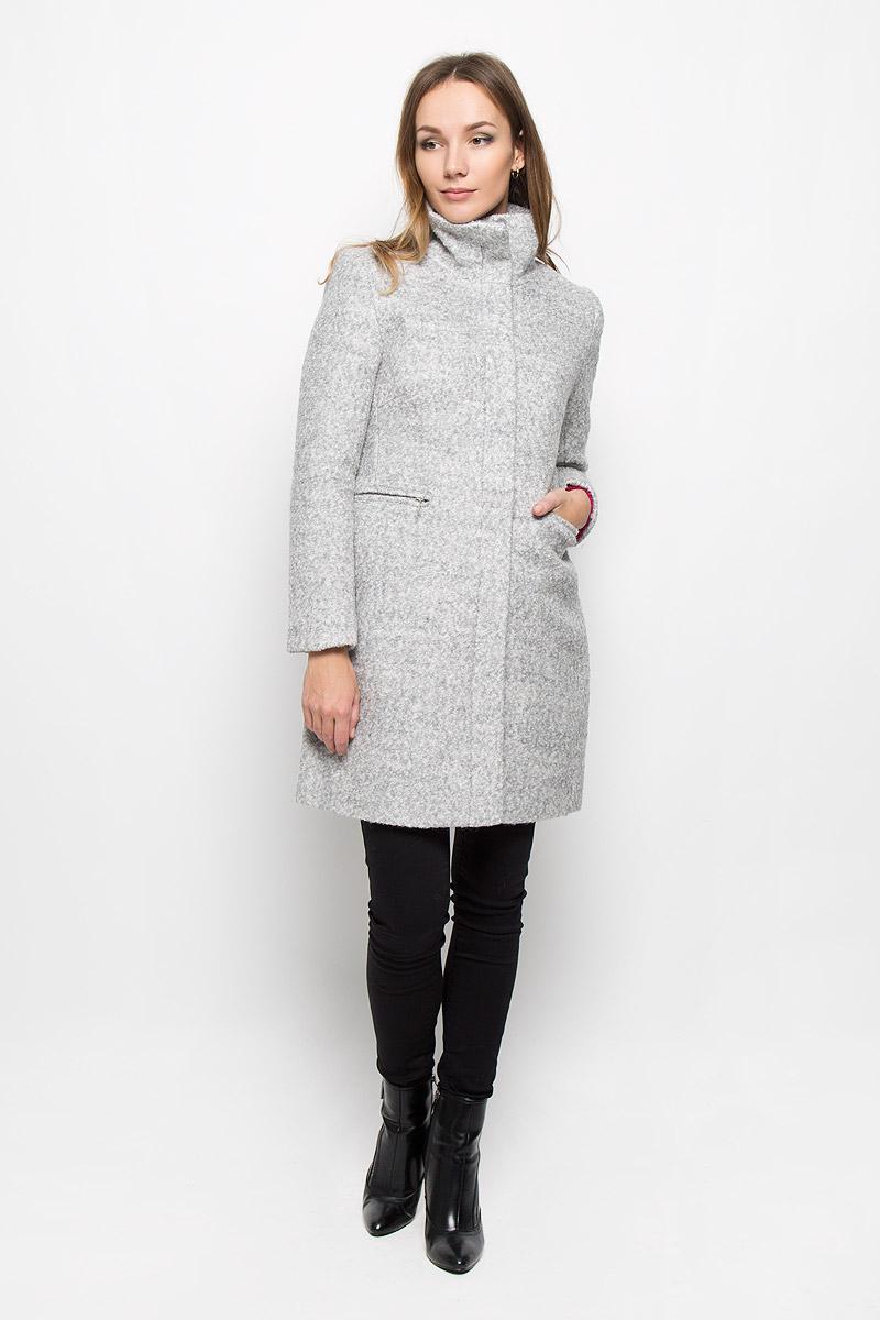 Пальто10139_807Стильное женское пальто Broadway Neysha дополнит ваш образ и подчеркнет индивидуальность. Оно изготовлено из высококачественного материала, обеспечивающего комфорт и удобство при носке. Благодаря содержанию в составе шерсти, изделие максимально сохраняет тепло. Подкладка выполнена из гладкой ткани. Пальто с воротником-стойкой и длинными рукавами застегивается на молнию и имеет две ветрозащитные планки. Внешняя планка пристегивается с помощью пуговиц. Модель оснащена двумя прорезными карманами на молниях. Спинка дополнена центральной одиночной шлицей. Этот модное пальто станет отличным дополнением к вашему гардеробу!