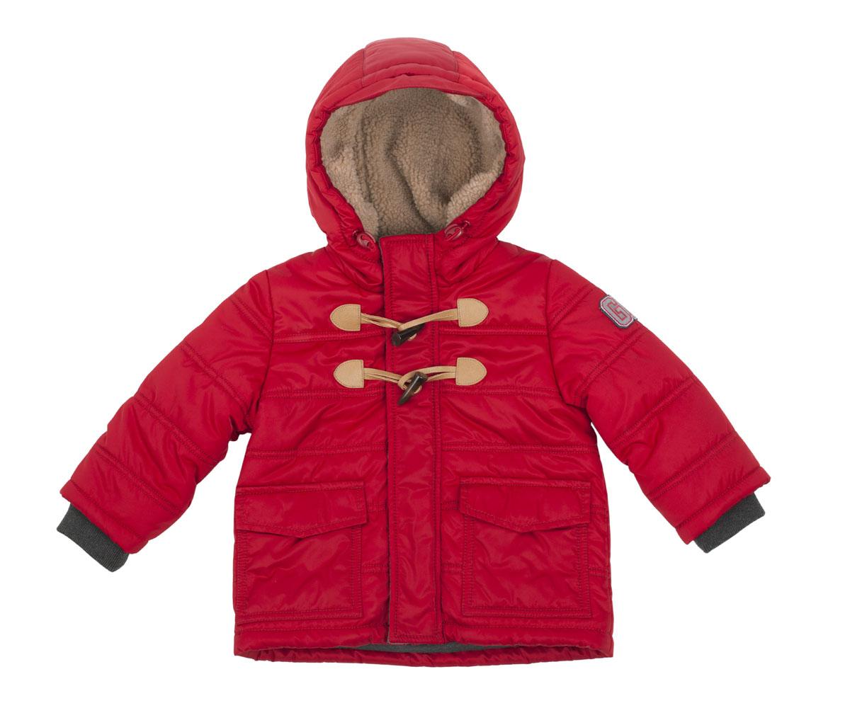 Куртка216GBBC4101Прекрасный вариант для ежедневных прогулок - стеганая куртка на синтепоне. Эта куртка - яркий цветовой акцент осеннего образа ребенка. Удобная форма, теплый капюшон на подкладке из искусственного меха, крупные карманы, трикотажные подвязы делают куртку очень комфортной и уютной. Яркие индивидуальные черты модели придает застежка на текстильные петли и пуговицы клычок, а также крупный принт на спинке. Это обеспечивает прекрасный внешний вид, подчеркивая глубину и тщательность проработки модели. Если вам нужно купить детскую куртку и не сомневаться в ее качестве, красоте и комфорте, эта куртка от Gulliver - то, что вам нужно!