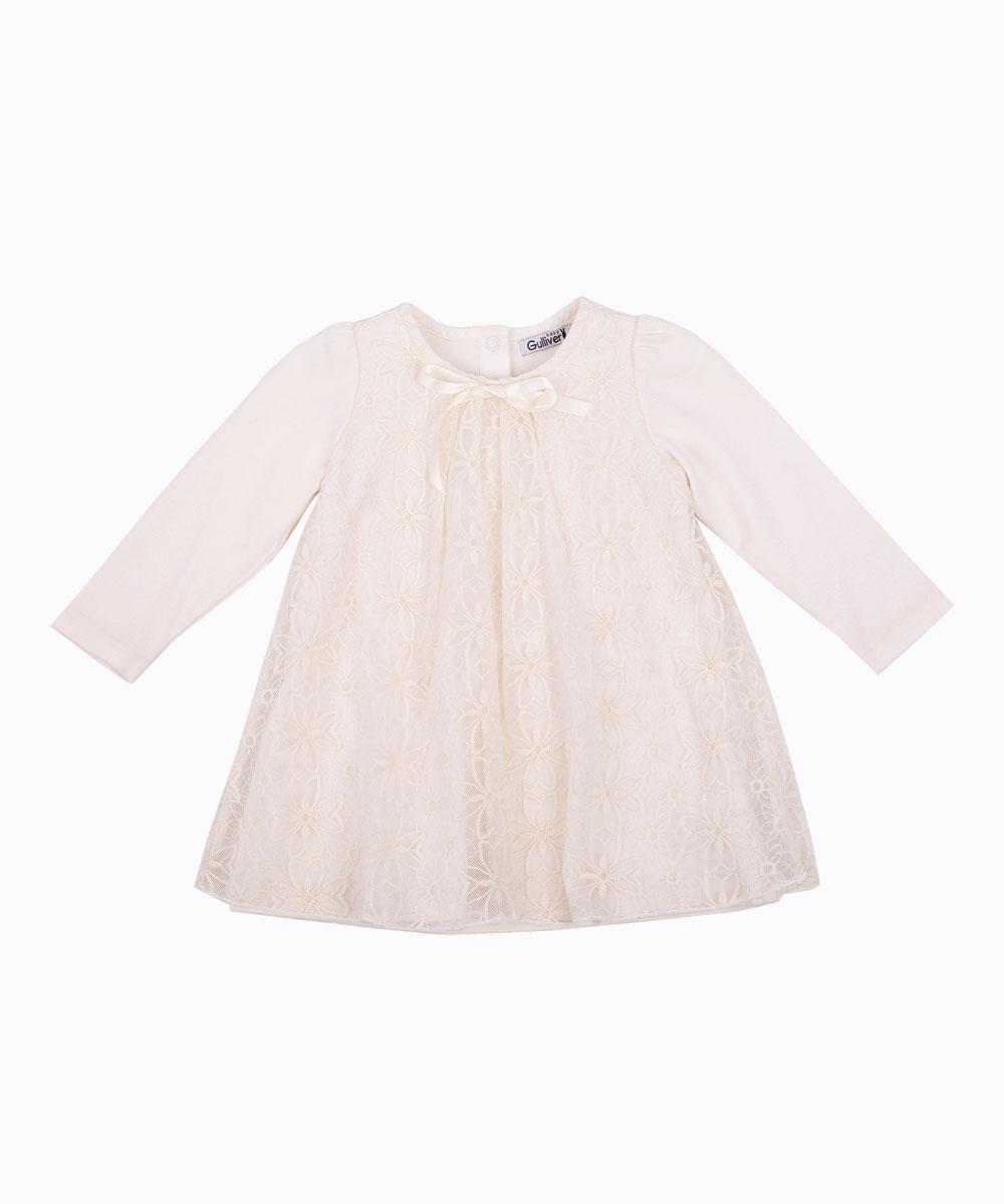 Платье216GBGC5002Купить платье! Именно такую задачу ставят перед собой мамы девочек, отправляясь на осенний шоппинг. И действительно, осенне-зимний сезон - время праздников и новых встреч. Сделать гардероб ребенка интересным и разнообразным - непростая задача! Молочное хлопковое платье, покрытое нежным кружевом - элегантное решение для любого праздника и семейного торжества. Удобная трапециевидная форма модели не стесняет движений, благородный молочный цвет делает платье изысканным. Возможно, именно такими и должны быть красивые платья для очаровательных малышек - нежными, уютными, деликатными.
