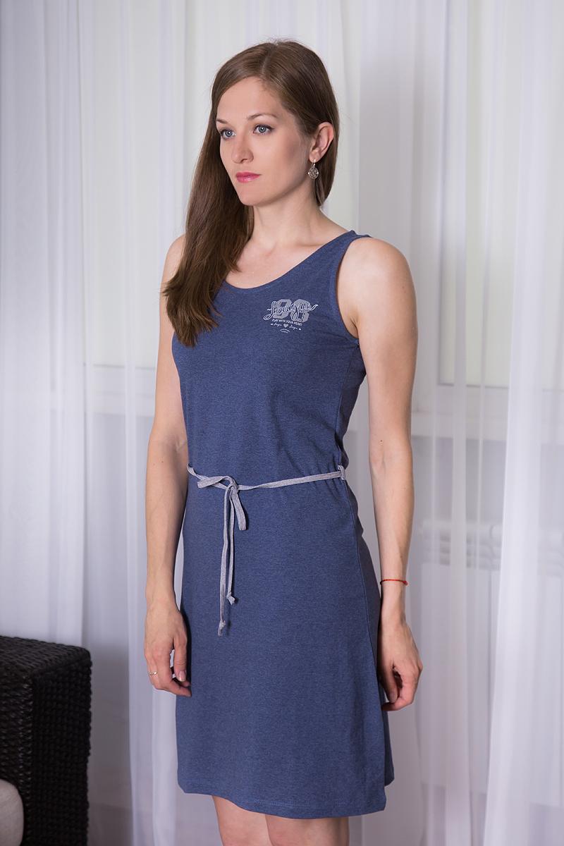 Платье домашнее7117110519Платье домашнее Violett изготовлено из натурального хлопка. Модель с круглым вырезом горловины, оформлена принтовыми надписями и дополнена эластичным поясом.