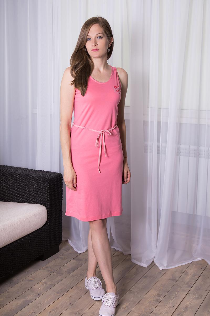 Платье домашнее7117110518Платье домашнее Violett изготовлено из натурального хлопка. Модель с круглым вырезом горловины, оформлена принтовыми надписями и дополнена эластичным поясом.