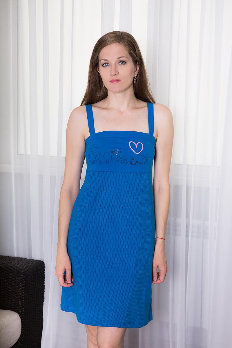 7117110329Платье домашнее Violett изготовлено из натурального хлопка. Модель на бретельках оформлена интересным принтом и надписями.