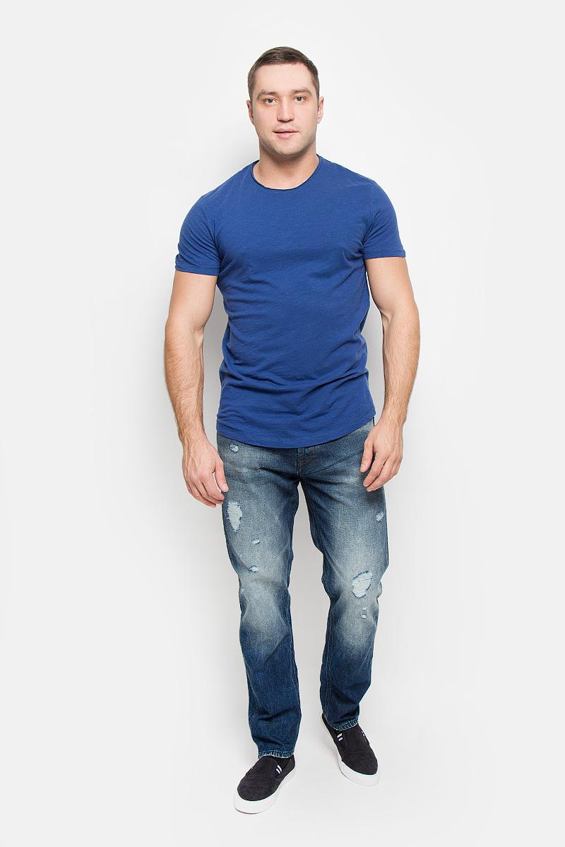 Футболка16051686_BlackМужская футболка Selected Homme Antonio Banderas, выполненная из натурального хлопка, идеально подойдет для повседневной носки. Материал очень мягкий и приятный на ощупь, не сковывает движения и позволяет коже дышать. Футболка прямого кроя с короткими рукавами имеет круглый вырез горловины, дополненный двойной окантовкой с закрученными краями. Такая футболка будет дарить вам комфорт в течение всего дня!