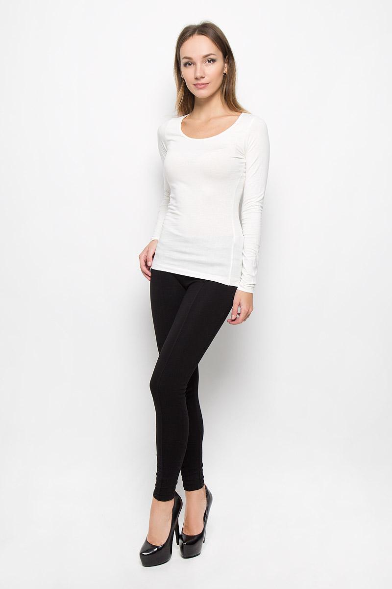 10156602_001Женский лонгслив Broadway Alessia выполнен из мягкого эластичного хлопка. Материал изделия тактильно приятный, не стесняет движений и позволяет коже дышать, обеспечивая комфорт. Однотонная модель с круглым вырезом горловины - базовый элемент одежды, необходимый для создания большинства повседневных образов. Лаконичный дизайн и совершенство стиля подчеркнут вашу индивидуальность!