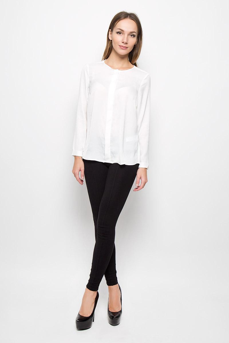 Блузка10105_001Женская блузка Broadway Nadasia, выполненная из легкого и тактильно приятного материала, поможет создать современный и стильный образ. Изделие не стесняет движений, хорошо пропускает воздух, обеспечивая комфорт. Блузка с круглым вырезом горловины и длинными рукавами застегивается на пуговицы по всей длине, скрытые за планкой. Рукава дополнены декоративными отворотами. Лаконичный дизайн и совершенство стиля подчеркнут вашу индивидуальность.