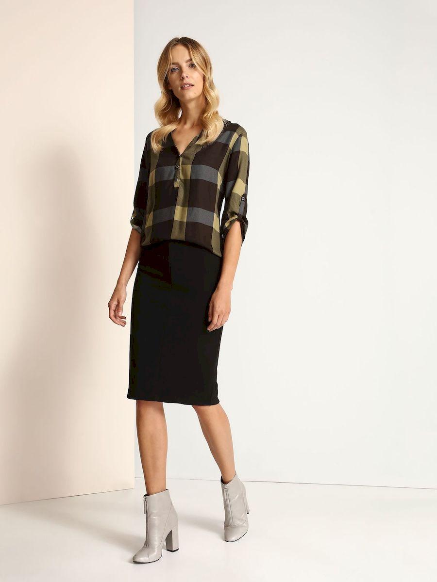 ЮбкаSSD1048CAСтильная юбка Top Secret выполнена из высококачественного эластичного полиэстера. Юбка-карандаш средней длины имеет эластичный пояс на талии. Задняя часть модели дополнена разрезом.