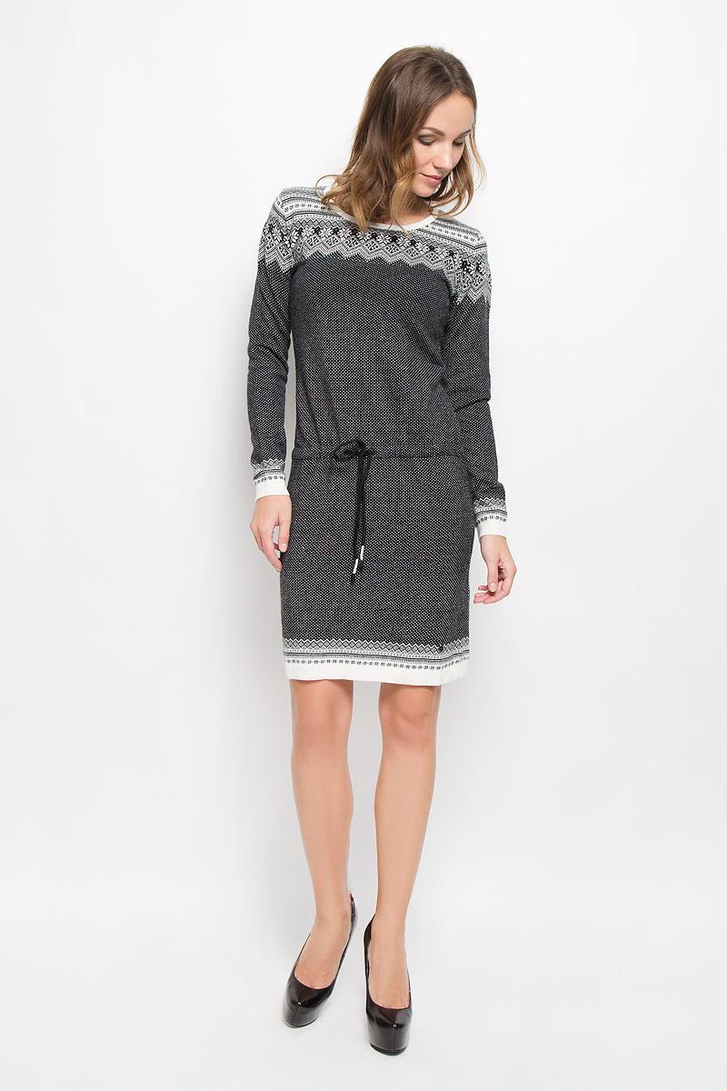 W16-12112_101Элегантное платье Finn Flare выполнено из высококачественной комбинированной пряжи. Такое платье обеспечит вам комфорт и удобство при носке и непременно вызовет восхищение у окружающих. Модель средней длины с длинными рукавами и круглым вырезом горловины выгодно подчеркнет все достоинства вашей фигуры. Вязаное платье дополнено шнурком-кулиской с завязками на талии. Манжеты рукавов, низ и горловина изделия связаны резинкой. Платье украшено оригинальным орнаментом в скандинавском стиле и дополнено мелкими стразами. Изысканное платье-миди создаст обворожительный и неповторимый образ. Это модное и комфортное платье станет превосходным дополнением к вашему гардеробу, оно подарит вам удобство и поможет подчеркнуть ваш вкус и неповторимый стиль.