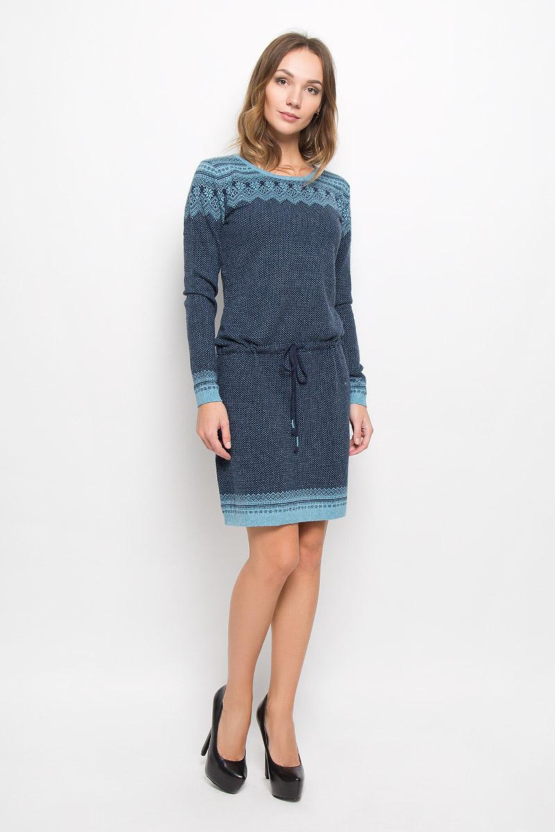 ПлатьеW16-12112_101Элегантное платье Finn Flare выполнено из высококачественной комбинированной пряжи. Такое платье обеспечит вам комфорт и удобство при носке и непременно вызовет восхищение у окружающих. Модель средней длины с длинными рукавами и круглым вырезом горловины выгодно подчеркнет все достоинства вашей фигуры. Вязаное платье дополнено шнурком-кулиской с завязками на талии. Манжеты рукавов, низ и горловина изделия связаны резинкой. Платье украшено оригинальным орнаментом в скандинавском стиле и дополнено мелкими стразами. Изысканное платье-миди создаст обворожительный и неповторимый образ. Это модное и комфортное платье станет превосходным дополнением к вашему гардеробу, оно подарит вам удобство и поможет подчеркнуть ваш вкус и неповторимый стиль.