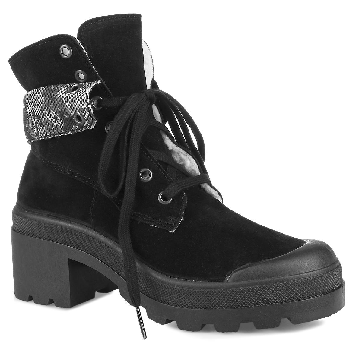 ENF11_2013-05-01_BLACKБотинки от El Tempo выполнены из высококачественного спилока и оформлены текстильным манжетом. Мыс дополнен накладной для уменьшения износа обуви. На ноге модель фиксируется с помощью шнуровки. Внутренняя поверхность выполнена из натуральной шерсти, которая обеспечит тепло. Подошва изготовлена из высококачественной резины и дополнена небольшим каблуком.