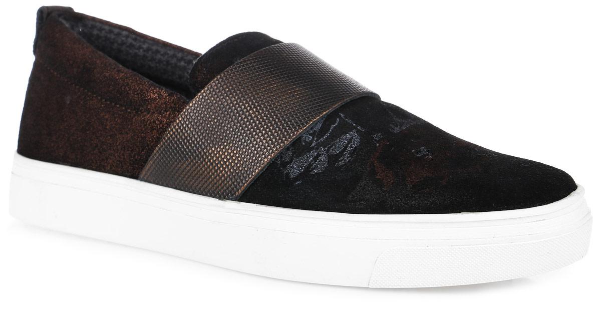 5-5-24604-27-991Модные женские слипоны от S.Oliver заинтересуют вас своим дизайном с первого взгляда! Модель, выполненная из натуральной кожи, спереди оформлена оригинальным принтом. Широкий ремешок с эластичной резинкой на подъеме для идеальной посадки модели на ноге. Внутренняя поверхность из текстиля и стелька из материала EVA с поверхностью из натуральной кожи обеспечивает максимальный комфорт при движении. Рифление на подошве гарантирует идеальное сцепление с поверхностью.