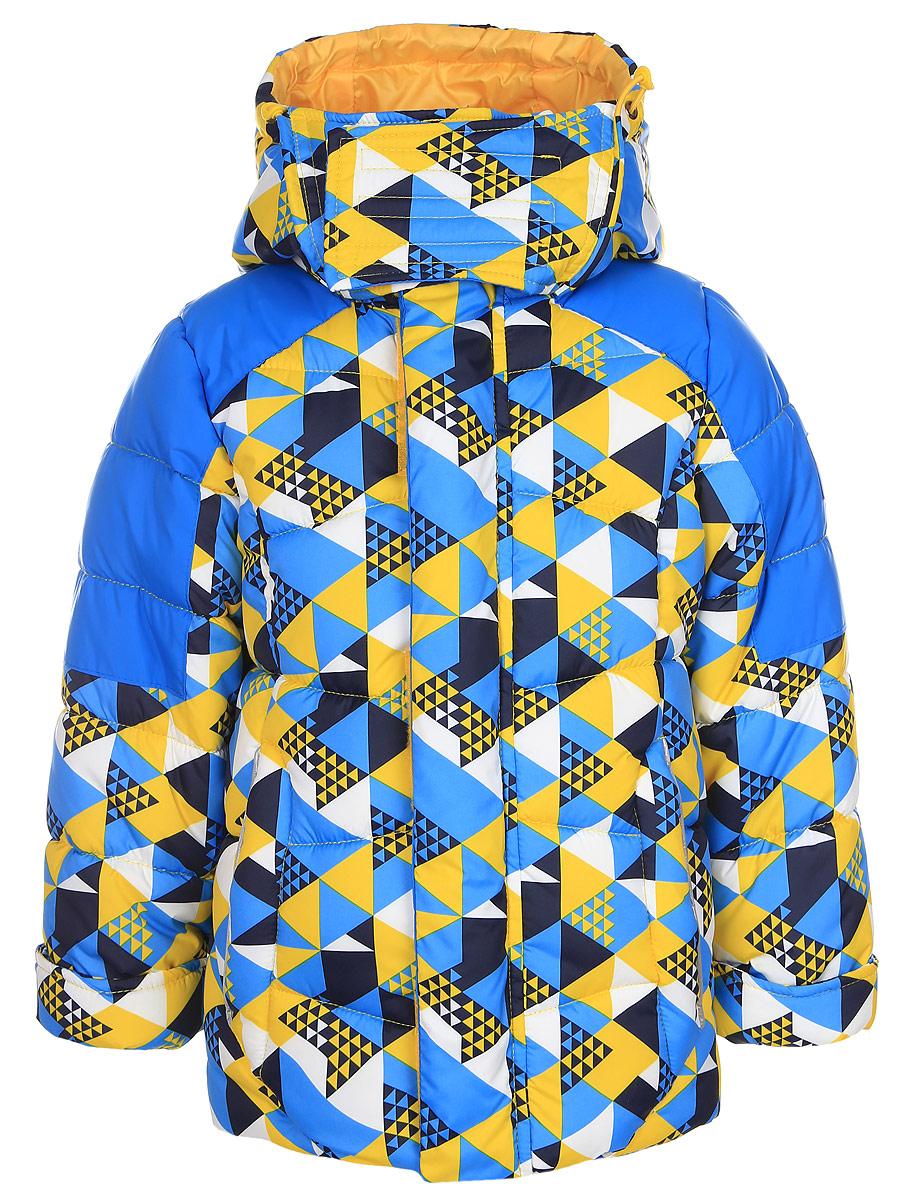 64363_BOB_вар.1Теплая куртка для мальчика Boom! идеально подойдет вашему ребенку в холодную погоду. Модель изготовлена из водонепроницаемой и ветрозащитной ткани, на подкладке из полиэстера с добавлением вискозы. В качестве утеплителя используется синтепон. Большая часть подкладки выполнена из теплого мягкого флиса. Куртка с капюшоном застегивается на пластиковую застежку-молнию и дополнительно имеет защиту подбородка и внешнюю ветрозащитную планку на липучках. Капюшон не отстегивается и по краю дополнен скрытой резинкой со стопперами. Также капюшон регулируется при помощи хлястиков на липучках и застегивается под подбородком на липучки. Спереди модель дополнена двумя прорезными кармашками. Рукава имеют трикотажные эластичные манжеты с прорезями для больших пальцев. Внутри куртки предусмотрена специальная эластичная вставка на кнопках, защищающая от снега и ветра. Оформлено изделие оригинальным принтом и дополнено светоотражающими элементами, которые не оставят...