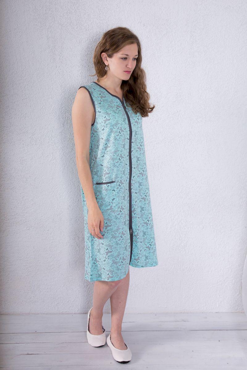 7117110210Женский халат Violett выполнен из натурального хлопка. Халат с V-образным вырезом горловины застегивается на застежку-молнию. Спереди расположен один накладной карман. Модель оформлена принтом в виде бабочек.