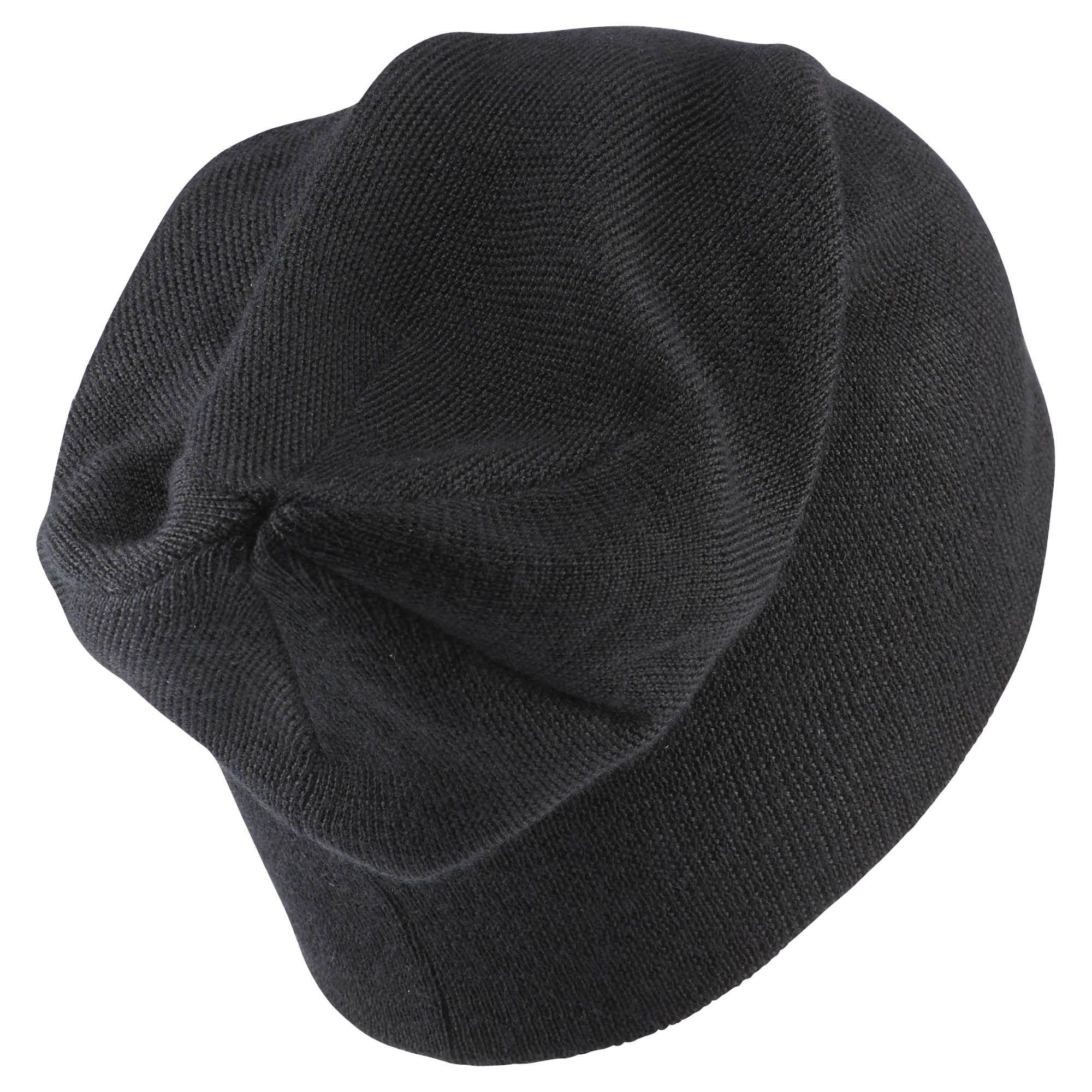 ШапкаAX9977Стильная шапка Reebok Classics Foundation Beanie выполнена из акрила с добавлением шерсти и с подкладкой из натурального хлопка. Шапка оформлена небольшой вышивкой с фирменным логотипом. Уважаемые клиенты! Размер, доступный для заказа, является обхватом головы.