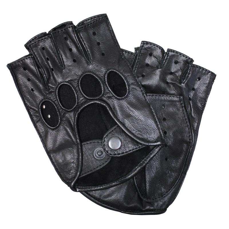 ПерчаткиSM_42аПерчатки изготовлены из высококачественной английской кожи Pittards и итальянской кожи Gargiulo на современном технологичном оборудовании. Оформлены перфорацией и дополнены на запястье кнопкой. Продукция соответствует международным стандартам качества.