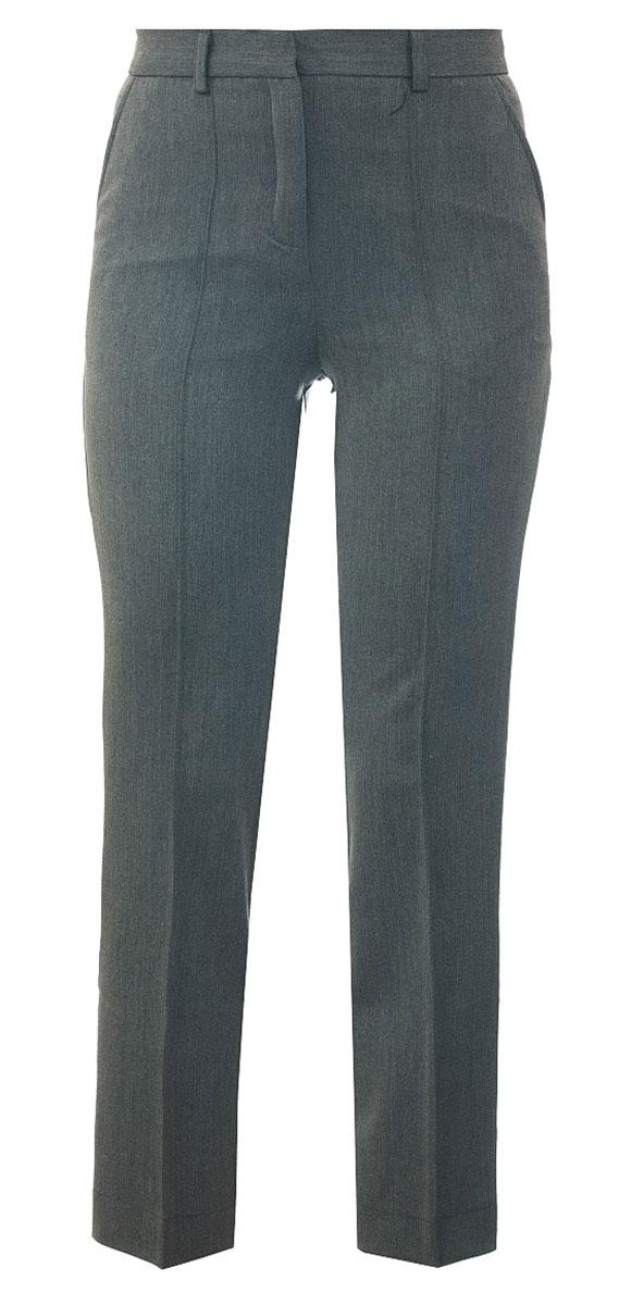 БрюкиCWJ26001B-20/CWJ26001A-20Брюки для девочки Nota Bene изготовлены из вискозы и полиэстера с добавлением лайкры, благодаря чему они теплые, не сковывают движений и износоустойчивые. Модель исполнена в классическом стиле и подходит для ношения в школе в качестве школьной формы. Прямые брюки с шлёвками для ремня застегиваются на застежку-молнию и пуговицу на поясе. Брюки приятно облегают и садятся по фигуре, благодаря своему крою, что подчеркивает стиль юной модницы.