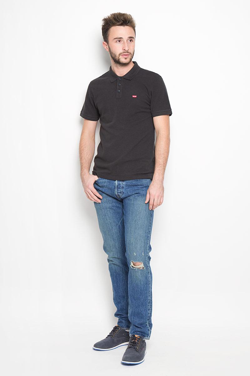 2889400040Стильные мужские джинсы Levis® 501 - джинсы высочайшего качества на каждый день, которые прекрасно сидят. Модель зауженного к низу кроя и средней посадки. Плотная и жестковатая ткань - деним 100% хлопок. Изделие оформлено эффектом потертости и рваным эффектом. Застегиваются джинсы на пуговицу в поясе и ширинку на металлических пуговицах, имеются шлевки для ремня. Спереди модель оформлена двумя втачными карманами и одним небольшим секретным кармашком, а сзади - двумя накладными карманами. Рекомендуется носить подкатанными. Эти модные и в то же время комфортные джинсы послужат отличным дополнением к вашему гардеробу. В них вы всегда будете чувствовать себя уютно и комфортно.