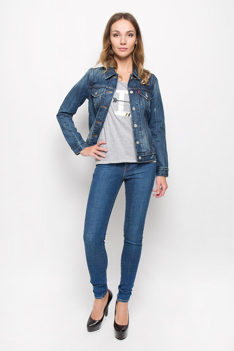 Куртка1575000220Стильная джинсовая куртка Levis®, выполненная из натурального хлопка, отличный вариант для прохладной погоды. Модель с отложным воротником и длинными рукавами застегивается на металлические пуговицы по всей длине. Спереди изделие оформлено двумя прорезными карманами с клапанами на пуговицах и двумя открытыми прорезными карманами. Рукава понизу дополнены манжетами, застегивающимися на пуговицы. Объем низа изделия регулируется при помощи хлястиков с пуговицами. Куртка оформлена потертостями и рваным эффектом. Эта куртка - практичная вещь, которая, несомненно, впишется в ваш гардероб, в ней вы будете чувствовать себя уютно и комфортно.