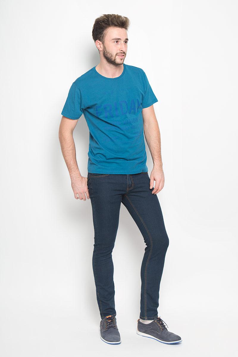 Джинсы20100342_537Стильные мужские джинсы Broadway Tyler выполнены из качественного денима. Джинсы-слим застегиваются на молнию и пуговицу. На поясе предусмотрены шлевки для ремня. Модель имеет классический пятикарманный крой: спереди - два втачных кармана и один маленький накладной, а сзади - два накладных кармана. Изделие оформлено прострочкой, украшено фирменной нашивкой.