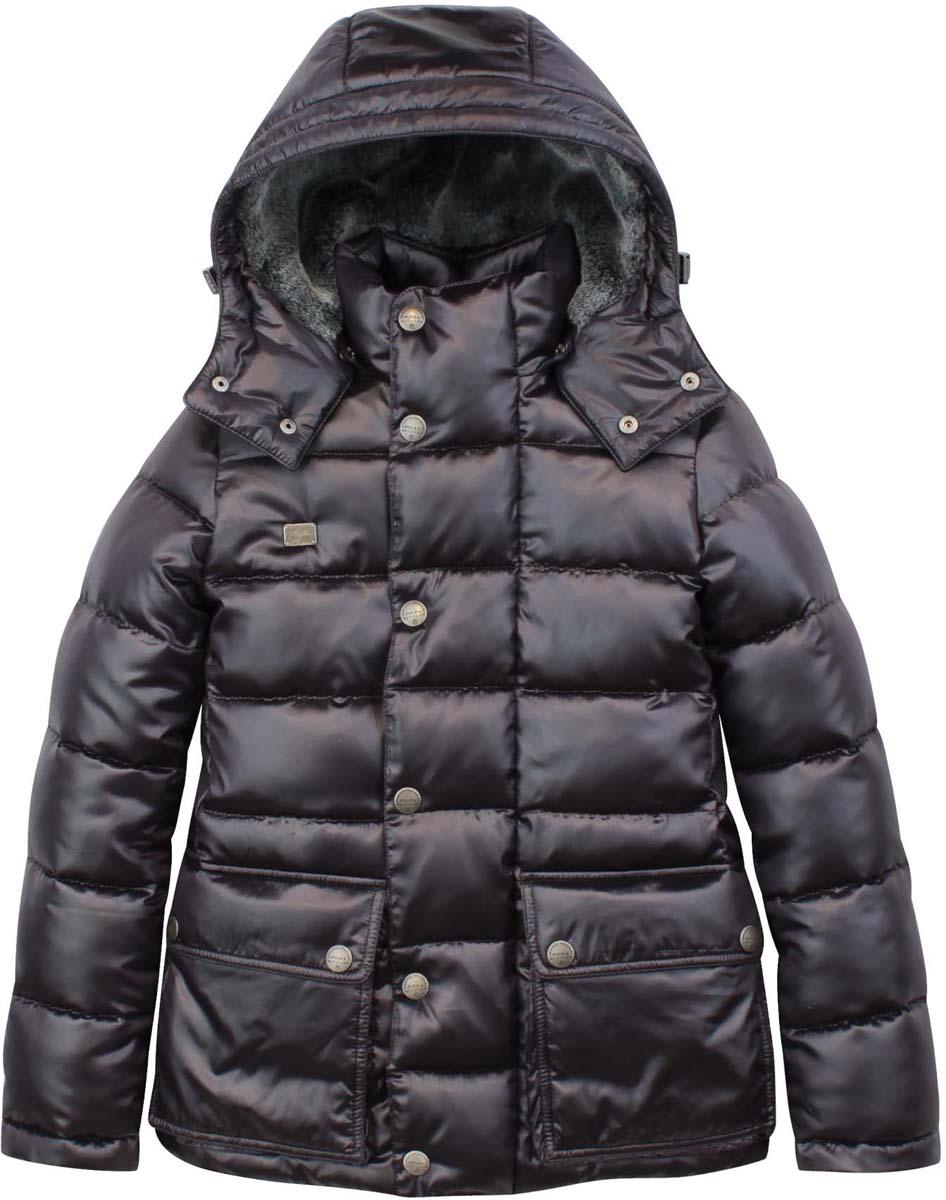 PUFWB-626-10126-102Модная куртка для мальчика Pulka выполнена из полиэстера и нейлона. В качестве утеплителя используется полиэстер. Модель с воротником-стойкой и съемным капюшоном застегивается на застежку-молнию и дополнительно на ветрозащитный клапан с кнопками. Капюшон, с внутренней стороны оформленный искусственным мехом, пристегивается к куртке с помощью кнопок. Спереди куртка дополнена двумя накладными карманами с клапанами на кнопках, с внутренней стороны - прорезным карманом на застежке-молнии. Рукава дополнены внутренними манжетами на резинках. Нижняя часть модели и область талии с внутренней стороны регулируются с помощью эластичных шнурков со стопперами.