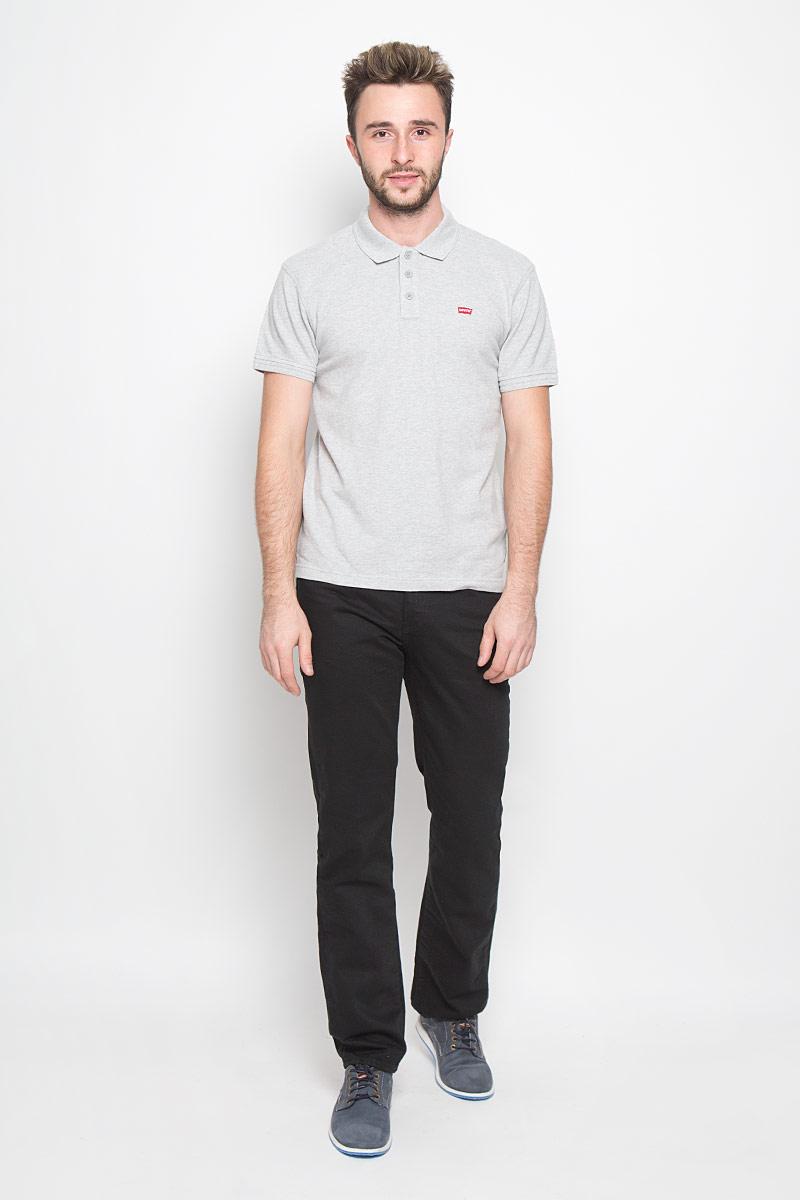 Джинсы51407380Мужские джинсы Levis® 514, выполненные из качественного хлопка, станут отличным дополнением к вашему гардеробу. Ткань плотная, тактильно приятная, позволяет коже дышать. Джинсы прямого кроя дополнены фирменной застежкой на молнии. На поясе предусмотрены шлевки для ремня. Модель имеет классический пятикарманный крой: спереди - два втачных кармана и один маленький накладной, а сзади - два накладных кармана. Украшены джинсы металлическими клепками и прострочкой. Отличное качество, дизайн и расцветка делают эти джинсы стильным и модным предметом мужской одежды. Легендарные джинсы Levis® 514 символизируют полную свободу самовыражения.