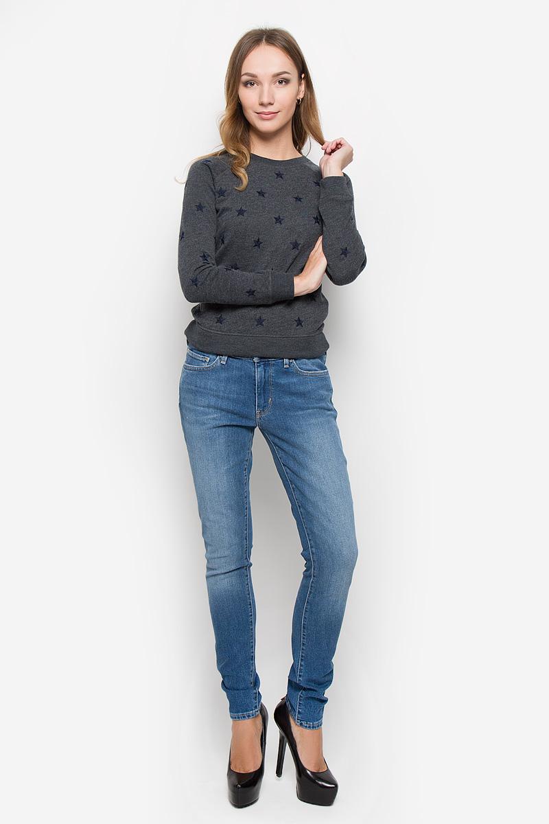 Джинсы1888101350Женские джинсы Levis® 711 выполнены из хлопка с добавлением эластана. Джинсы-скинни застегиваются спереди на молнию и пуговицу. На поясе предусмотрены шлевки для ремня. Модель имеет классический пятикарманный крой: спереди - два втачных кармана и один маленький накладной, а сзади - два накладных кармана. Джинсы оформлены эффектом потертости.