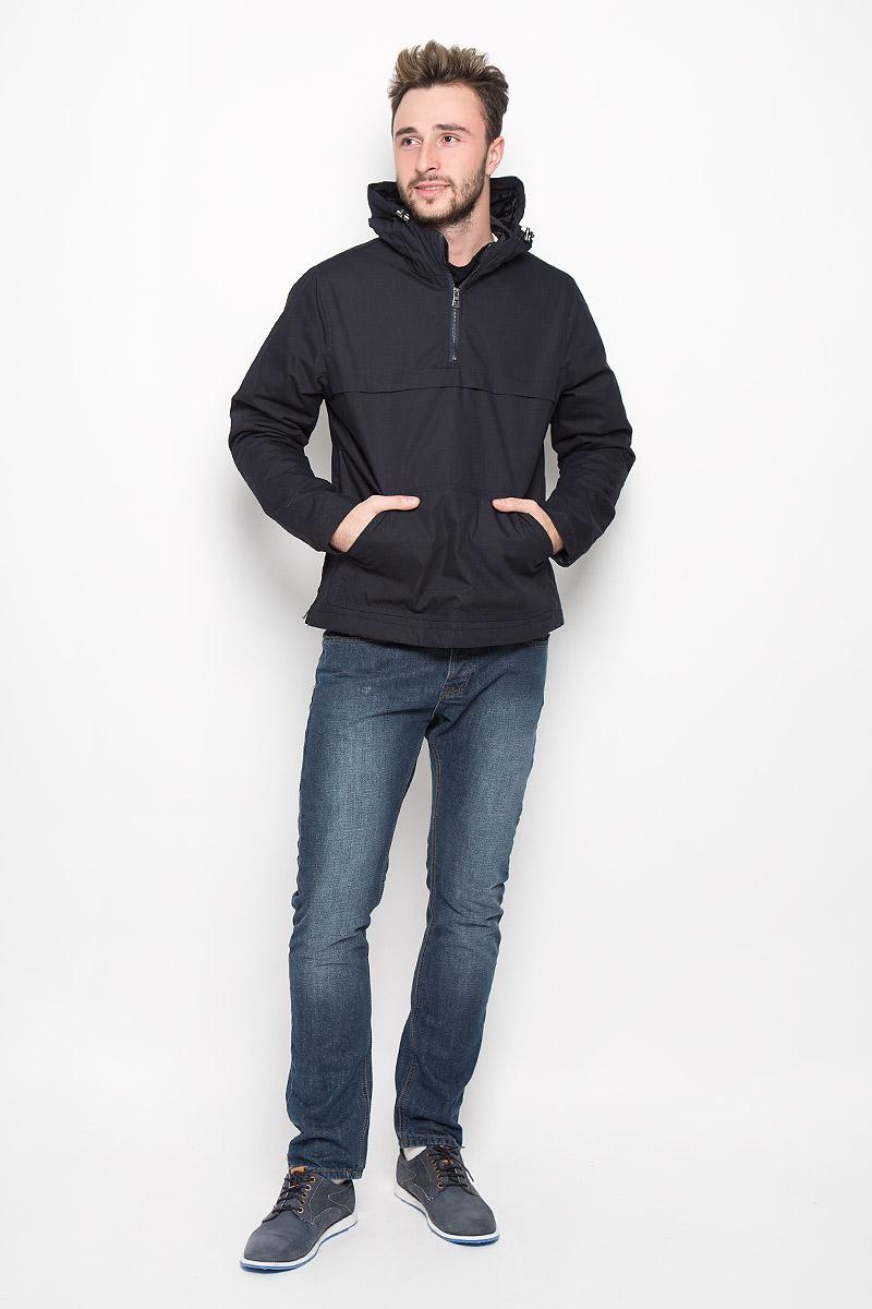 20100317_526Мужская куртка-анорак Broadway Ontario выполнена из полиэстера и хлопка. Подкладка изготовлена из гладкого материала. В качестве утеплителя используется полиэстер. Модель с капюшоном застегивается на небольшую молнию сбоку. Для комфорта и удобства куртка имеет на груди застежку-молнию. Капюшон дополнен по краю затягивающимся эластичным шнурком со стопперами. Спереди расположен большой карман-кенгуру.