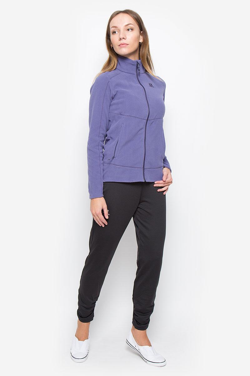 Брюки спортивныеL38253300Спортивные женские брюки Salomon Elevate Warm выполнены из плотного эластичного полиэстера. Модель имеет широкую резинку на поясе, объем талии регулируется при помощи шнурка-кулиски. Изделие дополнено двумя небольшими втачными кармашками на поясе. Плоские швы защищают от натирания. Низ брючин оформлен мелкими складками.