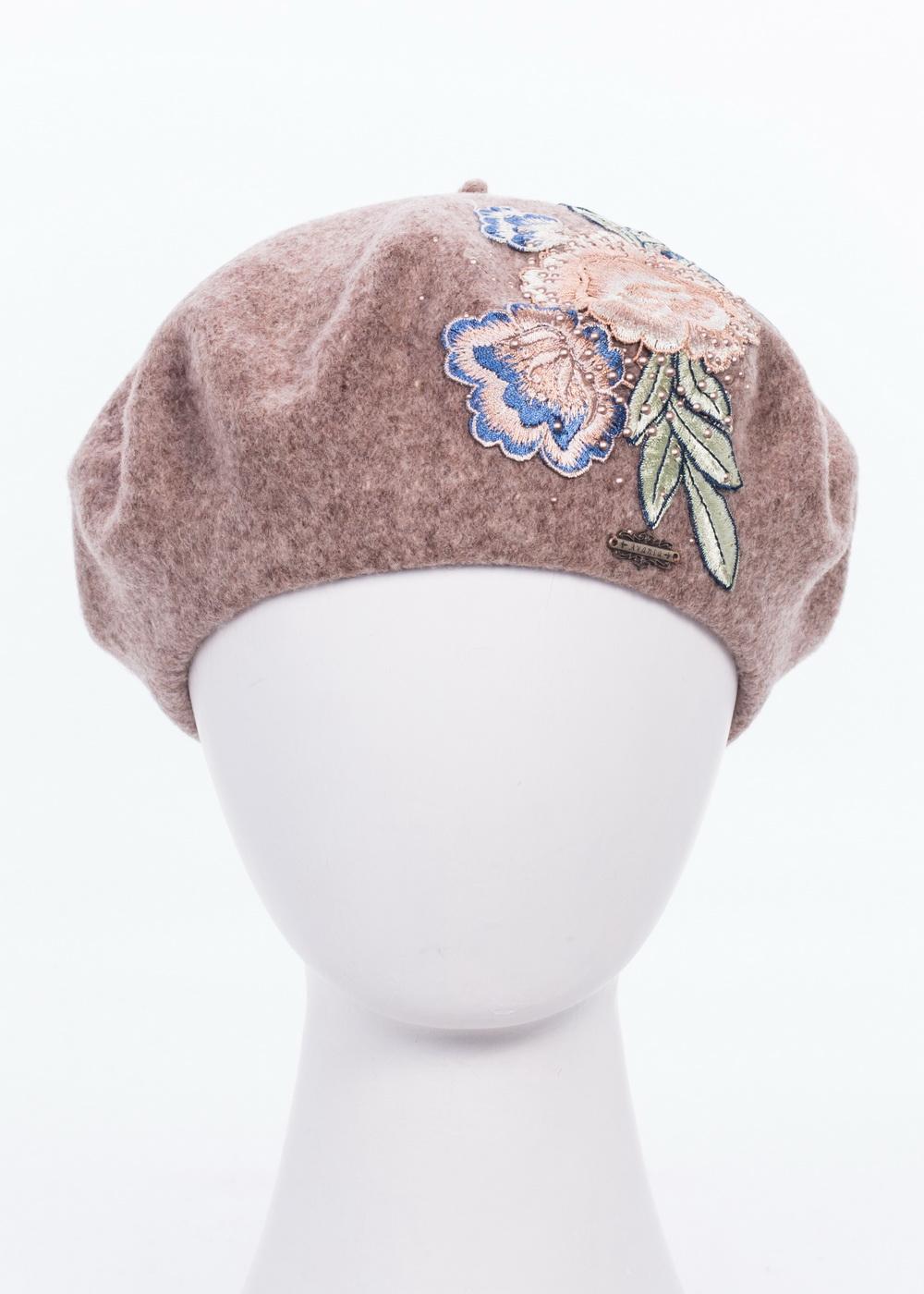 992934Теплый берет Avanta Mirella, выполненный из натуральной шерсти, отлично дополнит ваш образ в холодную погоду. Модель оформлена оригинальной нашивкой из цветов и стразами. Такой берет, составит идеальный комплект с модной верхней одеждой, в нем вам будет уютно и тепло! Уважаемые клиенты! Размер, доступный для заказа, является обхватом головы.