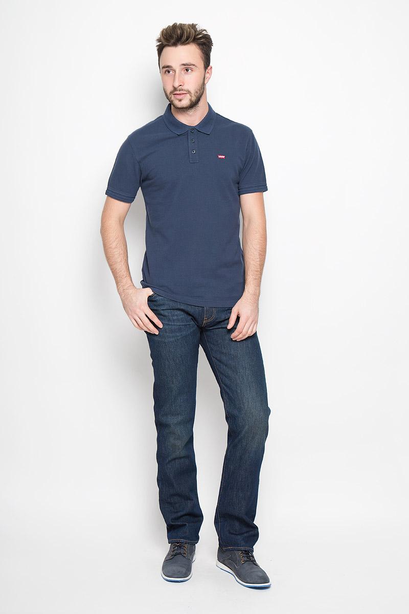 Поло2240100030Стильная мужская футболка-поло Levis®, выполненная из высококачественного хлопка, обладает высокой теплопроводностью, воздухопроницаемостью и гигроскопичностью, позволяет коже дышать. Модель с короткими рукавами и отложным воротником - идеальный вариант для создания оригинального современного образа. Сверху футболка-поло застегивается на три пуговицы. Воротник и манжеты рукавов выполнены из трикотажной резинки. По бокам модели предусмотрены небольшие разрезы. Спинка изделия немного удлинена. Модель оформлена на груди небольшой вышивкой в виде логотипа производителя.