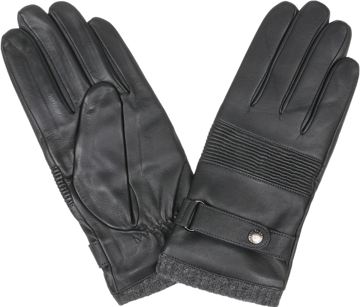Перчатки12.50-1 blackСтильные мужские перчатки Fabretti не только защитят ваши руки, но и станут великолепным украшением. Перчатки выполнены из натуральной кожи ягненка, а их подкладка - из высококачественной шерсти с добавлением кашемира. Модель дополнена небольшим хлястиком на кнопке на запястье, пропущенным через металлическую шлевку. Изделие имеет строчки-стежки на запястье, которые придают большее удобство при носке, также верхняя сторона перчаток дополнена эластичной резинкой, собранной в гармошку. Манжеты модели выполнены из вязанной резинки. Стильный аксессуар для повседневного образа.