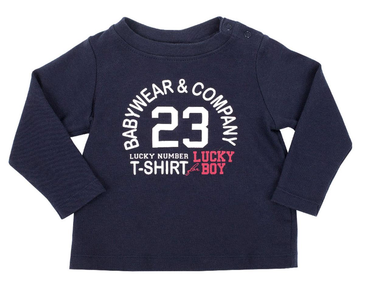 Футболка216GBBC1202Футболки для малышей относятся к базовому гардеробу, поэтому они должны выглядеть просто и симпатично, и быть приятными и удобными для повседневной носки. Мягкий синий хлопок, оригинальный шрифтовой принт, застежка на плече для легкости в одевании-раздевании сделают футболку любимой и для малыша, и для мамы. Вам стоит купить футболку с модным элегантным декором и она подарит малышу комфорт и отличное настроение.