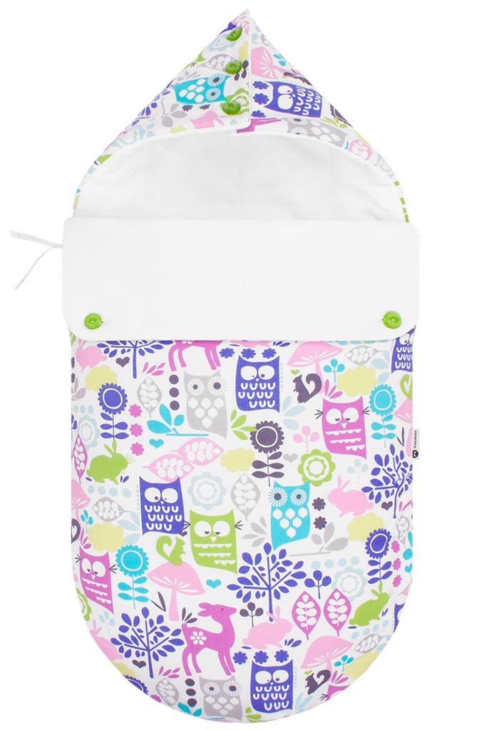 100100443Конверт для новорожденного Mikkimama Сказочный лес порадует даже самых требовательных мам и согреет малыша в прохладную погоду. Изделие подойдет как для выписки малыша из роддома, так и для дальнейших прогулок на руках и в коляске. Конверт изготовлен из хлопка на хлопковой подкладке. В качестве утеплителя используется бамбуковое волокно - необыкновенно мягкое натуральное волокно, обладающее хорошей впитывающей способностью, прекрасными вентилирующими и антибактериальными свойствами. Верхняя часть конверта может использоваться в качестве капюшона, с помощью пластиковых пуговиц, она принимает вид треугольного капюшона. Конверт закрывается при помощи пластиковой застежки-молнии и при необходимости он раскладывается в удобный коврик для пеленания или игр. Благодаря продуманной системе застежек, конверт полностью раскрывается. Легко отстегивающийся отворот защитит кроху от холодного ветра. Также конверт можно использовать в качестве накидки на ножки для ребенка постарше. Оформлено...