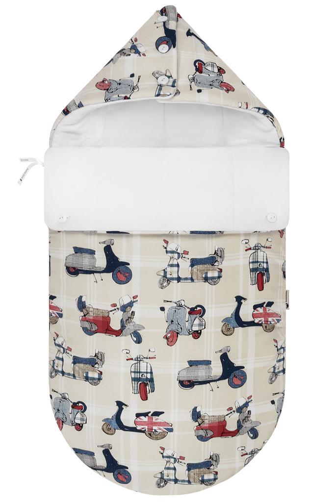 Конверт для новорожденного100100803Конверт для новорожденного Mikkimama Vespa порадует даже самых требовательных мам и согреет малыша в прохладную погоду. Изделие подойдет как для выписки малыша из роддома, так и для дальнейших прогулок на руках и в коляске. Конверт изготовлен из хлопка на хлопковой подкладке. В качестве утеплителя используется бамбуковое волокно - необыкновенно мягкое натуральное волокно, обладающее хорошей впитывающей способностью, прекрасными вентилирующими и антибактериальными свойствами. Верхняя часть конверта может использоваться в качестве капюшона, с помощью пластиковых пуговиц, она принимает вид треугольного капюшона. Конверт закрывается при помощи пластиковой застежки-молнии и при необходимости он раскладывается в удобный коврик для пеленания или игр. Благодаря продуманной системе застежек, конверт полностью раскрывается. Легко отстегивающийся отворот защитит кроху от холодного ветра. Также конверт можно использовать в качестве накидки на ножки для ребенка постарше. Оформлено изделие...