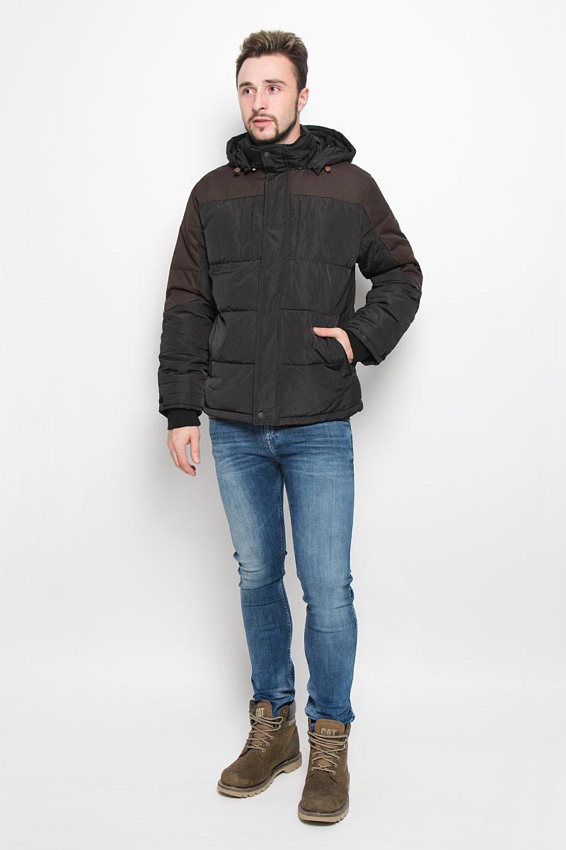 B536540_MINKСтильная мужская куртка Baon изготовлена из высококачественного полиэстера. В качестве утеплителя используется полиэстер. Куртка с воротником-стойкой и съемным капюшоном застегивается на застежку-молнию и дополнительно на ветрозащитный клапана с кнопками. Капюшон пристегивается к куртке с помощью застежки-молнии. Спереди имеются четыре прорезных кармана на застежках-молниях, с внутренней стороны - прорезной карман на застежке-молнии. Капюшон оснащен эластичными шнурками со стопперами. Манжеты рукавов дополнены трикотажными напульсниками и хлястиками с липучками. Нижняя часть модели регулируется с помощью эластичного шнурка со стоппером.