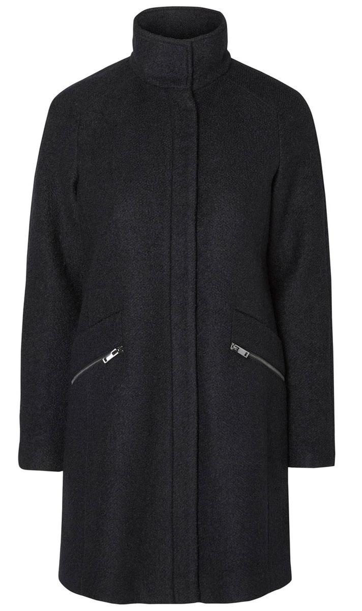 Пальто10157240_BlackЖенское пальто Vero Moda с длинными рукавами-реглан и воротником-стойкой выполнено из полиэстера с добавлением шерсти. Пальто застегивается на застежку-молнию спереди, оснащено ветрозащитным клапаном на кнопках. Изделие дополнено двумя втачными карманами на застежках-молниях спереди.