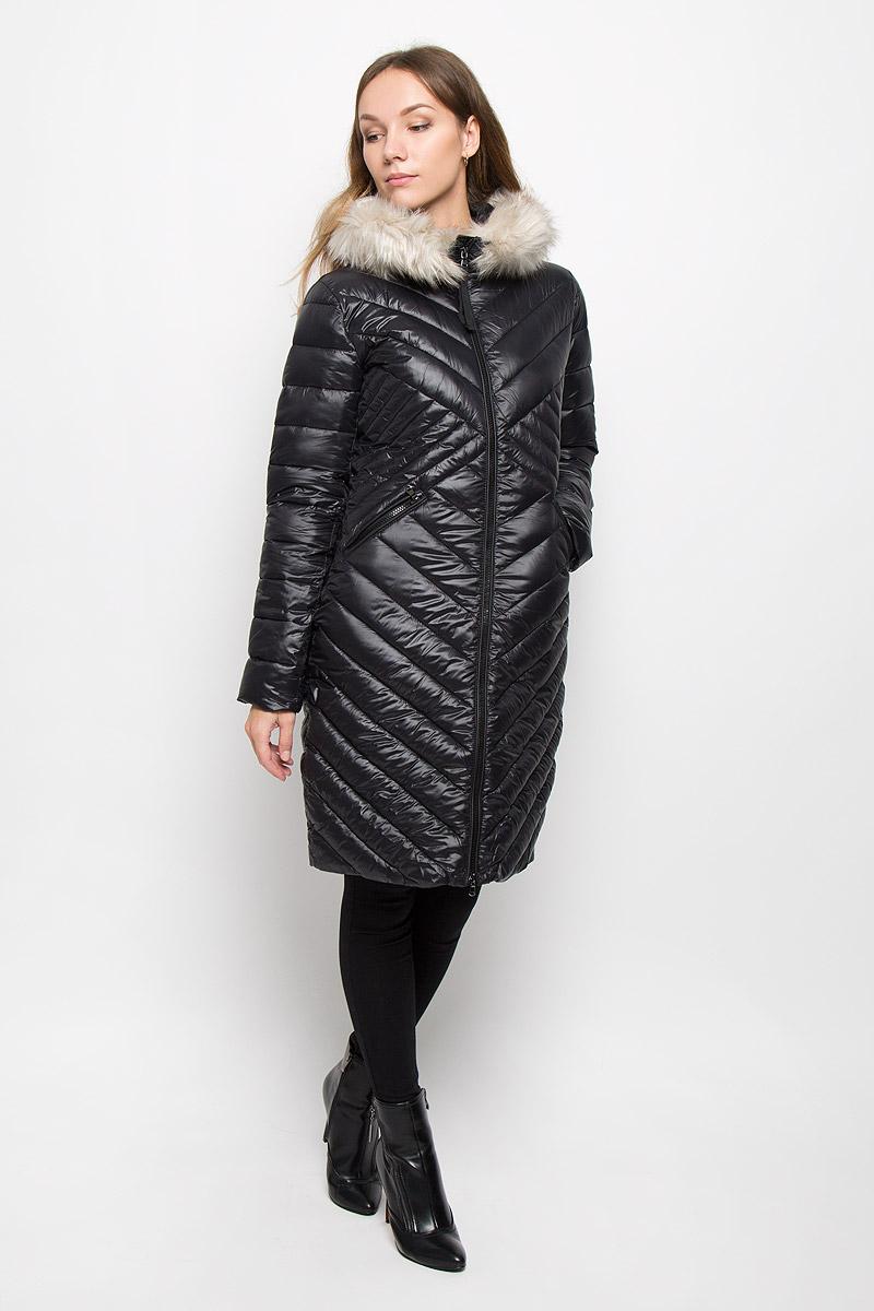 Пальто3820909.00.75_2999Женское пальто Tom Tailor с рукавами длинными рукавами и несъемным капюшоном выполнено из полиамида. Наполнитель - синтепон. Капюшон украшен съемным мехом на пуговицах. Пальто застегивается на застежку-молнию спереди. Изделие дополнено двумя втачными карманами на застежках-молниях спереди.