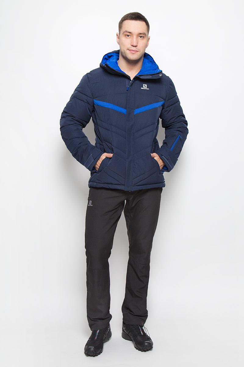 КурткаL38314700Мужская куртка Salomon Stormpulse с защитой от непогоды Advanced Skin Dry выполнена из полиэстера на подкладке из нейлона. Используемый в куртке утеплитель Stormloft по упругости и теплоте напоминает натуральный пух, но не теряет своих свойств при намокании, а также отлично подходит людям, которые страдают аллергией. Модель с капюшоном застегивается на молнию и имеет ветрозащитный клапан на липучках и кнопках. Рукава дополнены хлястиками с липучками для регулировки объема. С внутренней стороны изделия имеется противоснежная вставка на резинке с застежками-кнопками. Объем низу регулируется при помощи шнурка-кулиски со стопперам. Спереди расположены два прорезных кармана на молнии, с внутренней стороны находится прорезной карман с застежкой-молнией, рукав куртки также дополнен втачным карманом на застежке-молнии.