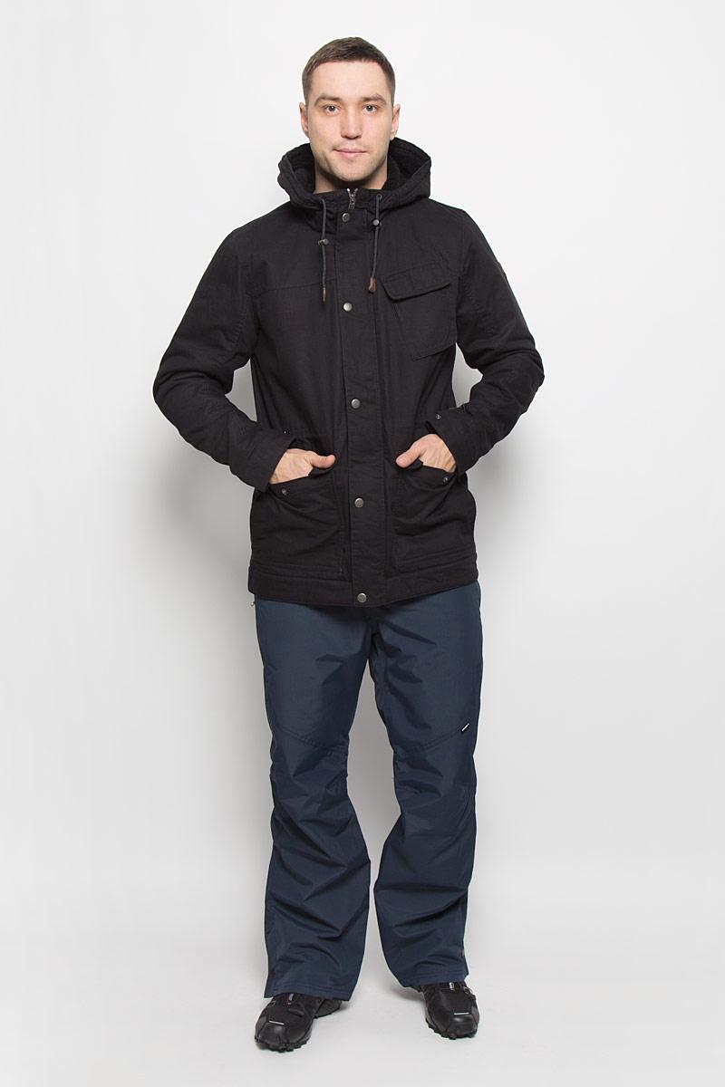 Куртка650112-9010Мужская куртка ONeill Am Offshore с длинными рукавами и несъемным капюшоном выполнена из хлопка. Подкладка изготовлена из 100% полиамида. Наполнитель - синтепон. Капюшон изделия оснащен шнурком-кулиской со стопперами. Куртка застегивается на застежку-молнию спереди и имеет ветрозащитный клапан на кнопках. Изделие оснащено тремя накладными карманами на клапанах с кнопками спереди и одним внутренним втачным карманом. Манжеты рукавов дополнены кнопками. Объем талии регулируется при помощи внутреннего шнурка-кулиски.
