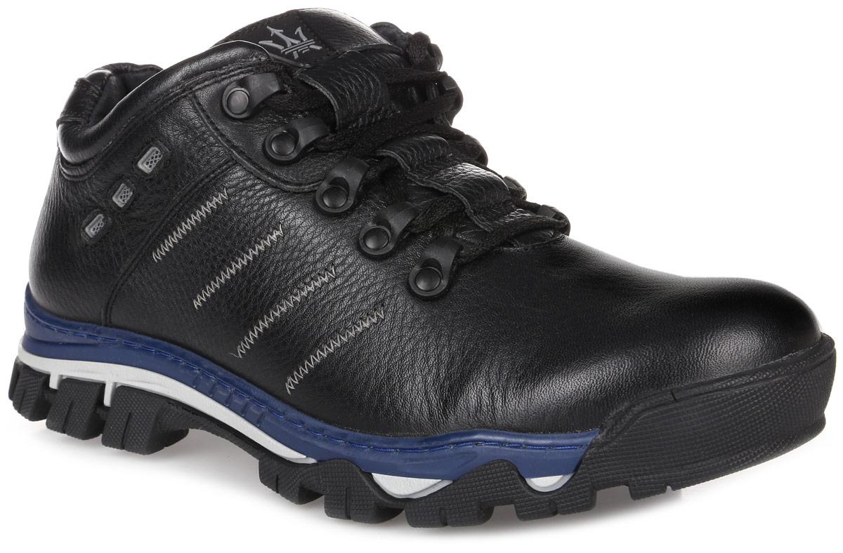 41RS_185_4942_1_BLACKСтильные мужские кроссовки от Spur заинтересуют вас своим дизайном с первого взгляда! Модель изготовлена из натуральной кожи и оформлена по бокам декоративной прострочкой. Классическая шнуровка прочно зафиксирует обувь на вашей ноге. Подкладка и стелька из шерсти не дадут ногам замерзнуть. Подошва с рельефным протектором гарантирует отличное сцепление с любой поверхностью. Модные кроссовки займут достойное место среди вашей коллекции обуви.