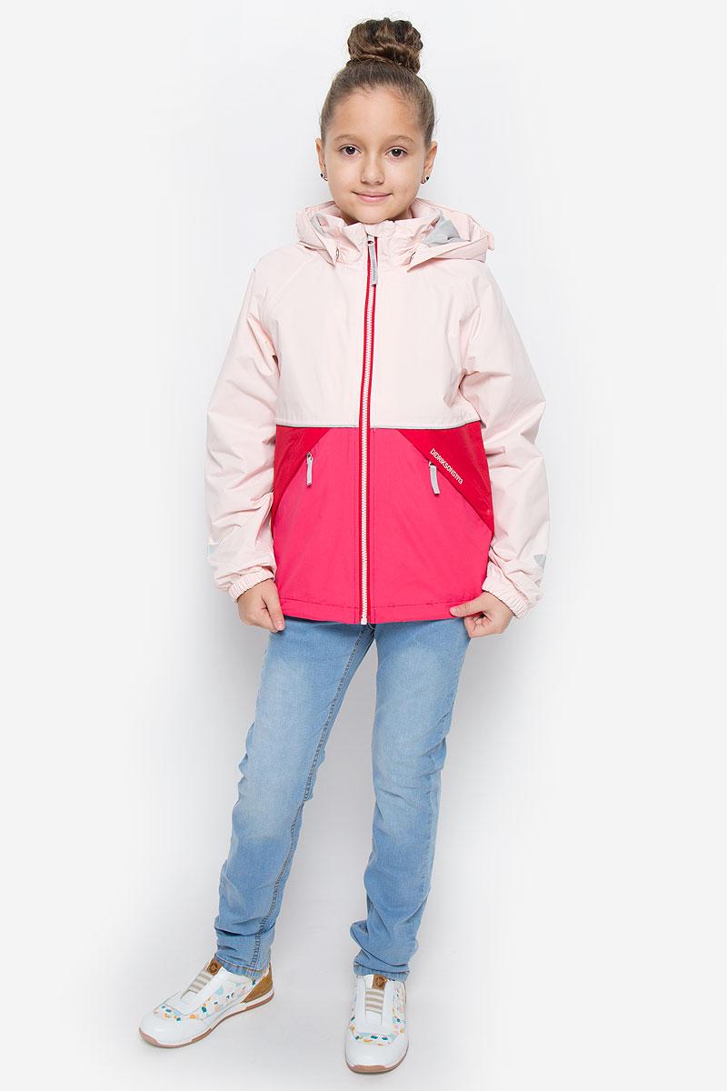 Куртка500787_188Куртка для девочки Didriksons1913 Storm System Yallock выполнена из непромокаемой и непродуваемой мембранной ткани. Ткань полностью водонепроницаема, а швы прошиты и пропаяны по особой технологии. Комбинированная подкладка изготовлена из полиамида и полиэстера. Модель с капюшоном и воротником- стойкой застегивается на молнию с защитой подбородка и внутренней ветрозащитной планкой. Регулируемый капюшон пристегивается к куртке с помощью кнопок. На рукавах предусмотрены эластичные манжеты. По краю куртка дополнена затягивающимся эластичным шнурком. Спереди расположены два прорезных кармана на молниях, с внутренней стороны имеется прорезной карман с застежкой-молнией. Модель растет вместе с ребенком: уникальный крой изделия позволяет при необходимости увеличить длину рукавов на один размер, распустив специальный внутренний шов. Куртка оснащена светоотражающими элементами для безопасности ребенка в темное время суток. Рассчитана на температуру от +12°С до +17°С.