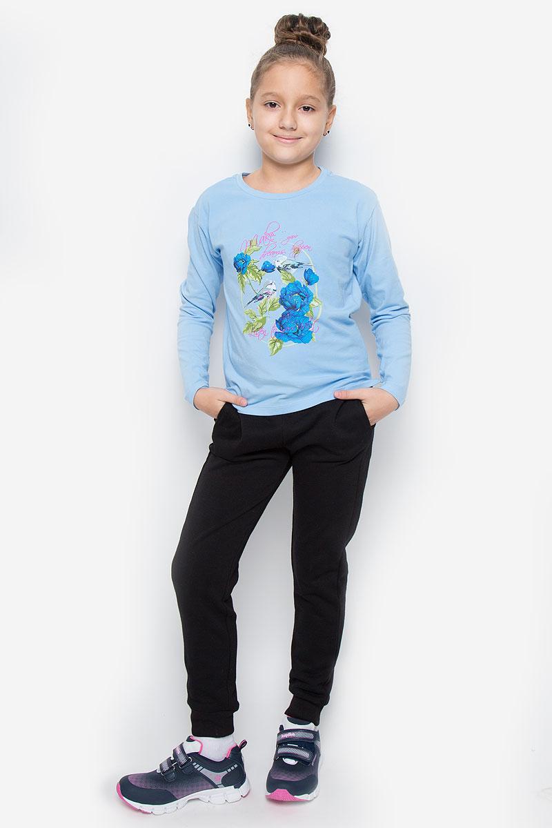 T-611/919-6414Лонгслив для девочки Sela с круглым вырезом горловины и длинными рукавами изготовлен из эластичного хлопка. Лонгслив оформлен оригинальным принтом с изображением птиц и цветов.